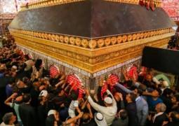 بالصور .. توافد مليوني للتشرف بزيارة مرقد أمير المؤمنين (عليه السلام)