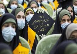 500) طالبة من (10) محافظات عراقية يجتمعن تحت قبة مرقد الامام الحسين (ع) لتأدية قسم التخرج