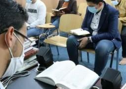 معهد القرآن الكريم فرع النجف الاشرف يجري اختباره الدوري لطلبة دورة التنغيم القرآني