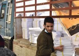 مكتب المرجع اليعقوبي في البصرة يوزع آلاف الكتب المنهجية للمدارس المهنية والطلبة يثمنون المبادرة